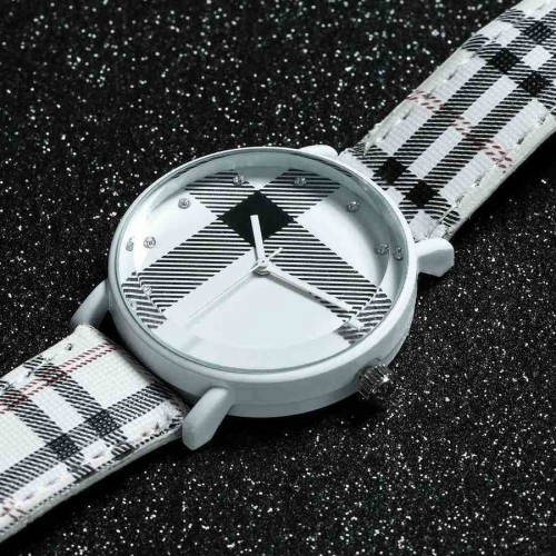 Burberry Style, UK Style, Plaid style armbandsur (Barn - ungdomar) från klockor4you.se