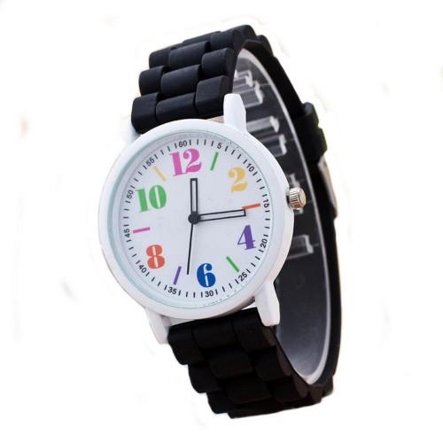 Färgglada siffror på vit urtavla, vitt klockhus, svart silikonarmband (Barn - ungdomar) från klockor4you.se