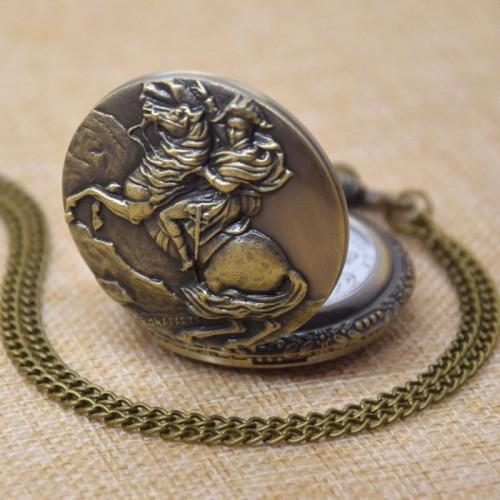 Napoleon Bonaparte på häst, fickur, halsbandsklocka (Djurmotiv) från klockor4you.se