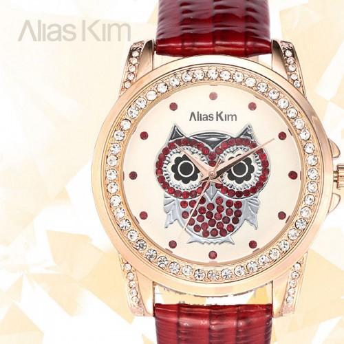 Alias Kim klocka Bling Bling kristaller, med uggla, vit urtavla och rött armband (Djurmotiv) från klockor4you.se