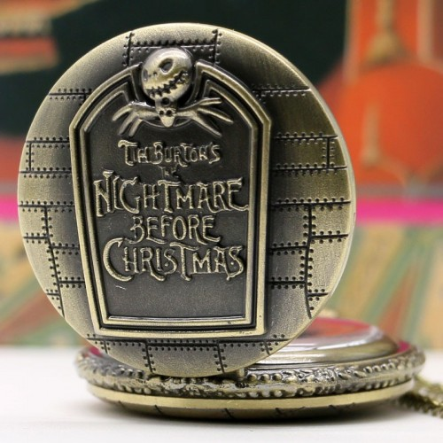 Tim Burton´s The Nightmare Before Christmas fickur halsbandsklocka, retro (Barn - ungdomar) från klockor4you.se