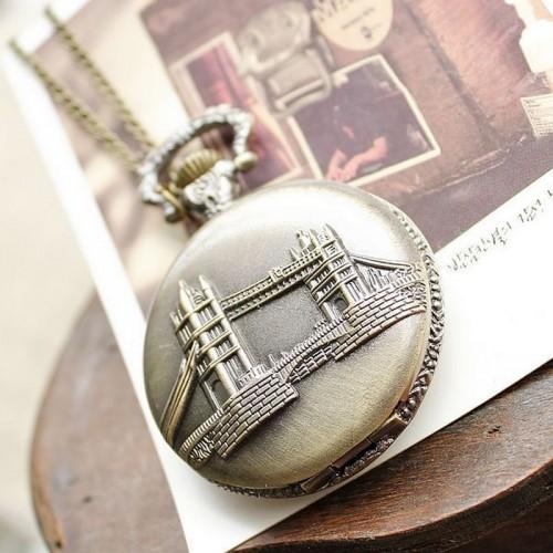 Tower Bridge, London, brons fickur, halsbandsklocka med kedja, vit urtavla (Barn - ungdomar) från klockor4you.se