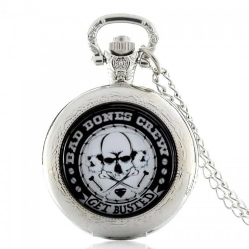 """""""Bad Bones Crue"""" Get Busted, halsbandsur, fickur,hängur, silverfärgad (Hängur, halsbandsklockor) från klockor4you.se"""
